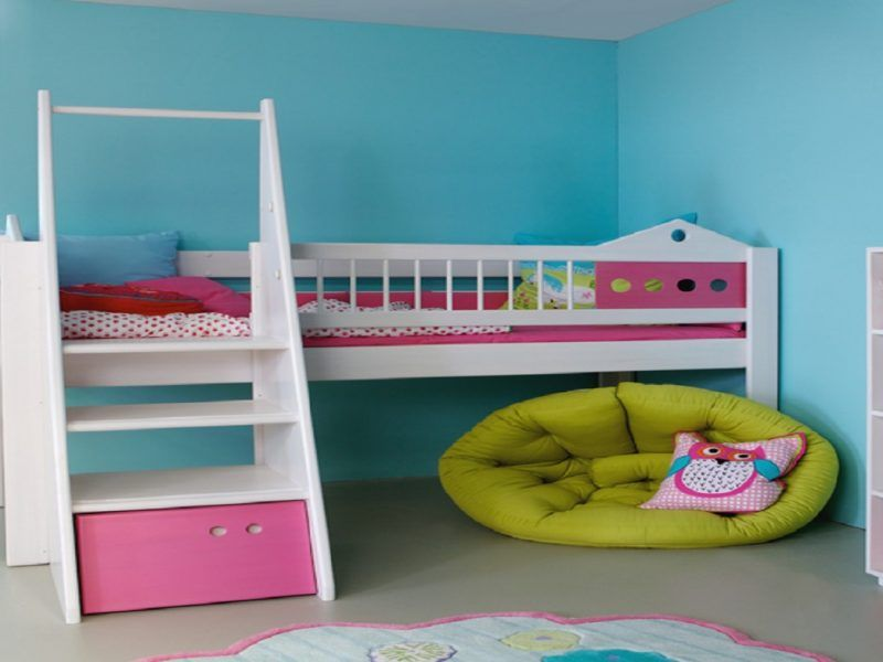kids room blue & pink